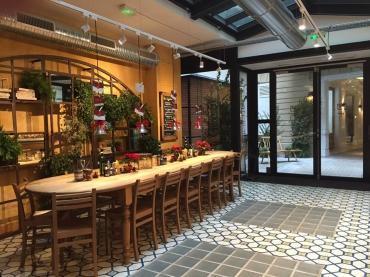 Concept-store Restaurant bio, épicerie,...