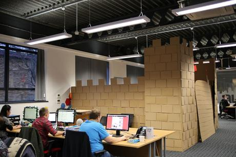 giant-cardboard-castle-viking02