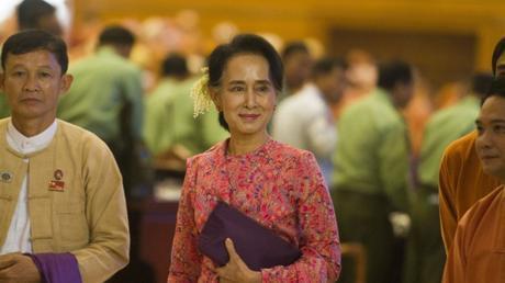 HISTORIQUE. Aung San Suu Kyi et les démocrates prennent le pouvoir après 20 ans de lutte contre la dictature