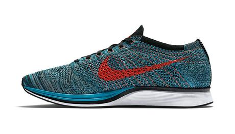 526628-404-Nike-Flyknit-Racer-Fire-And-Ice-02
