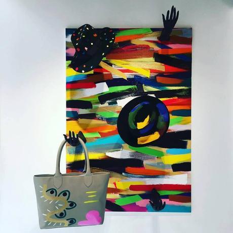 Main D'art Itu'Voir Sac L'objet La À Galerie Le Joue XnOP0kN8w