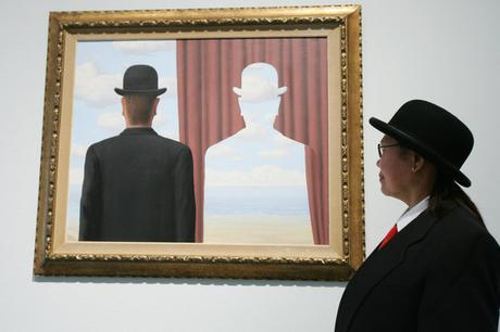 Les Belges nous ont aussi donné Magritte et son surréalisme.
