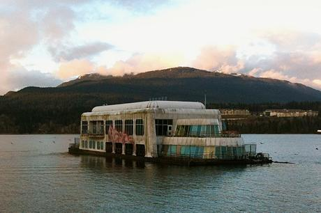 Mc Donald Barge – Vancouver