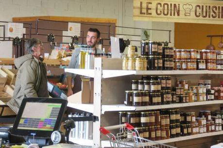 Pour se libérer de la grande distribution, les boutiques paysannes se multiplient