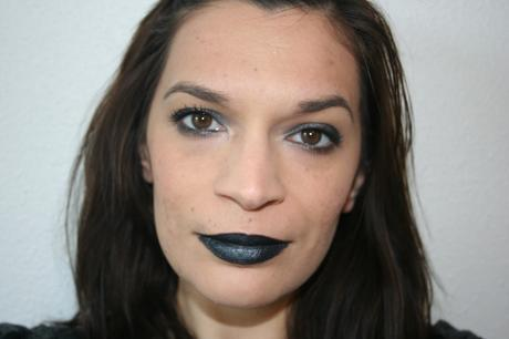 Monday Shadow Challenge: dark anthracite