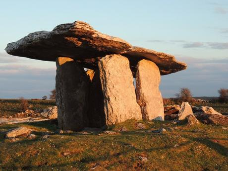 Poulnabrone dolmen sunrise