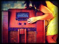 Blonde & Idiote Bassesse Inoubliable*************Grab That Gun de The Organ