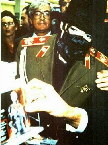 Michael Jackson visits Zaragoza Spain 1996 (9)
