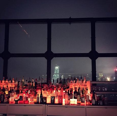 La vue d'en face du rooftop à NYC  (c) D'une île à Paris