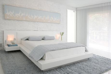 couleur-chambre-coucher-combinaisons-blanc-gris-clair-lampes-chevet couleur chambre