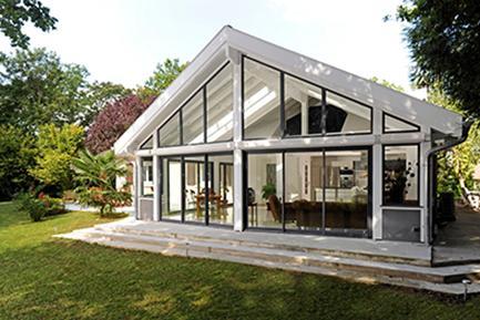 Interview agrandissez votre maison avec le sp cialiste for Modele maison avec veranda