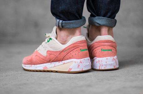 Saucony-Grid-8000-Lobster-Roll-03