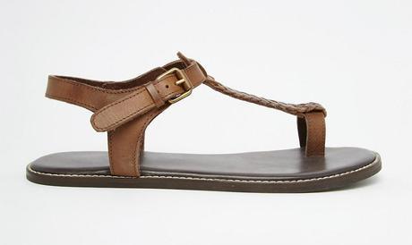 Paires de chaussures pour l'été