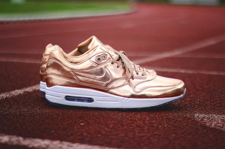 Nike-Air-Max-1-ID-Gold-Medal-Olympic-06