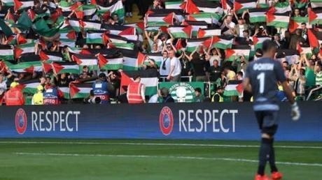 La solidarité des supporters écossais du club de football de Glasgow contre le club israélien Hapoël Beer Sheva !!!