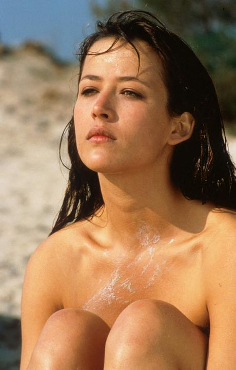 a-guide-to-cool-sophie-marceau-folkr-26
