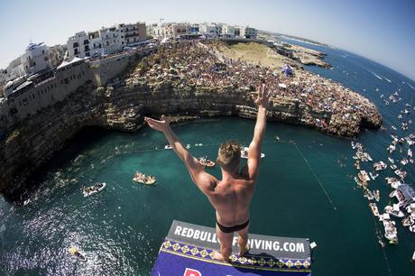 Artem Silchenko of Russia before he dives from the 27 metre platform during the fifth stop of the Red Bull Cliff Diving World Series in Polignano a Mare, Italy on August 28 2016. // Romina Amato/Red Bull Content Pool // P-20160828-02104 // Usage for editorial use only // Please go to www.redbullcontentpool.com for further information. //