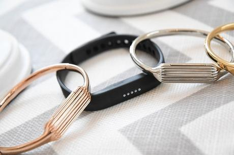 IFA 2016 : Virage « Mode » pour les bracelets connectés Fitbit Flex 2 et Charge 2