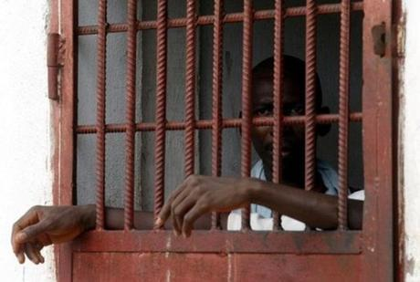 Algerie:Un détenu privé d'une radio médicale