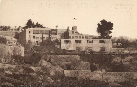 28 - Villa Noailles Vue d'ensemble, 1929 Photographe inconnu, carte postale Collection villa Noailles