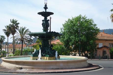 hyères var belle époque fontaine godillot