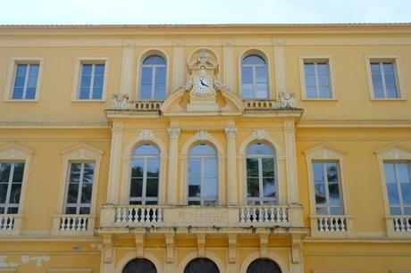 hyères var belle époque façade avenue clotis hôtel ville mairie