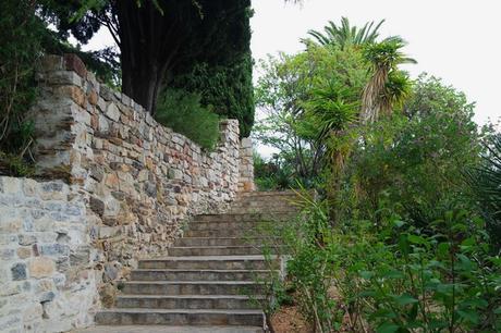 hyères var ville haute vieille médiéval moyen âge castel sainte claire jardin remarquable
