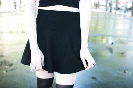 mini-jupe-noire-bas