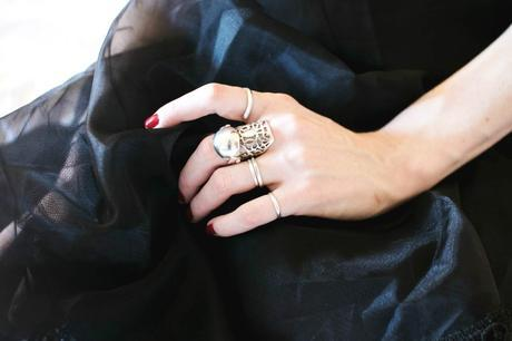 hand-many-silver-rings