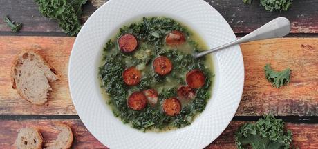 Caldo verde vegan, soupe portugaise au kale et au «chorizo»