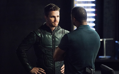 Audiences US Mardi 2/11 : Arrow en baisse, Frequency stable !