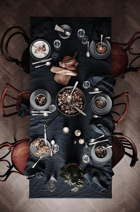 table nappe en lin noir