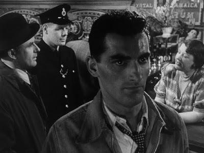 Pool of London - Basil Dearden (1951)