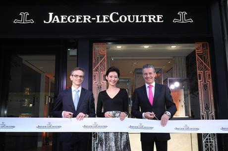01-ribbon-cutting_boutique-opening-tokyo