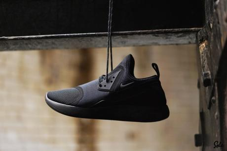 nike lunarcharge triple black