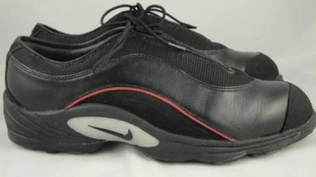 Retour sur les 10 chaussures signature de la carrière de Tiger Woods