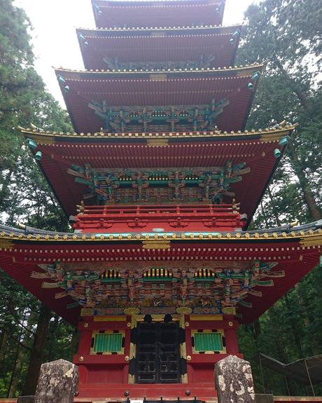 temple nikko pagode rouge japon
