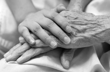 Maison de retraite : extension des soins d'hospitalisation à domicile !