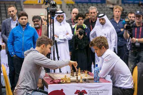 La rencontre entre Sergey Karjakin et Magnus Carlsen s'est soldée par une victoire du Russe - Photo © Maria Emelianova