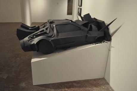 DeLorean, 2010 Carton, vidéo 2:30 minutes Cardboard, video 2:30 minutes 130 x 80 x 100 cm