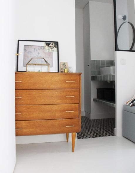 visite d co un duplex parisien par claire clerc. Black Bedroom Furniture Sets. Home Design Ideas
