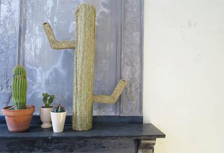 decoration cactus en paille