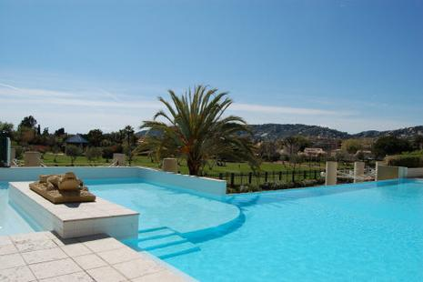 piscine antibes les pins