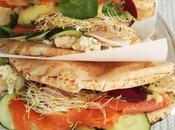 Picnic pantano bocadillo feta, salmón remolacha, mayonesa lima