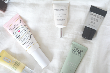 Comment s'y retrouver parmi toutes les bases de maquillage ?