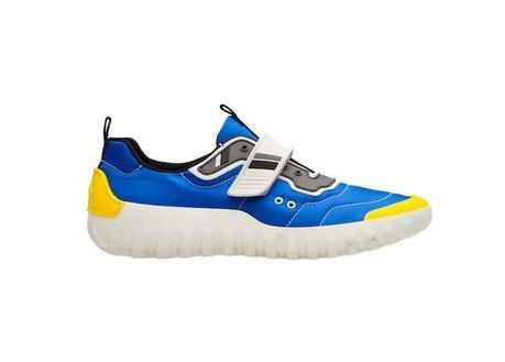 Prada présente ses nouvelles sneakers inspirées de l'univers de la plongée