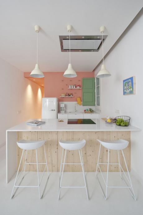 Un appartement de vacances à Barcelone riche en couleurs