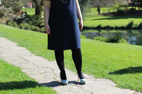 blog-mode-nantes-robe-bleue-marine-col-claudine-kiabi