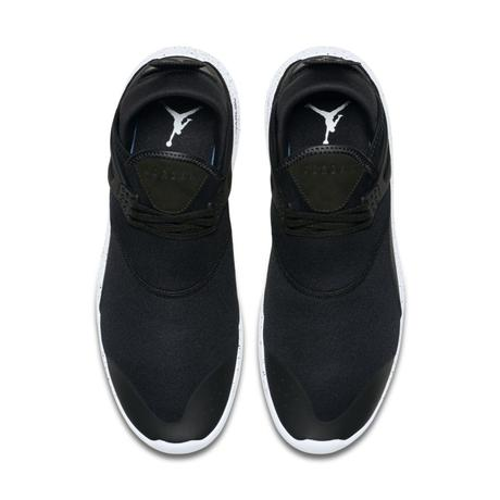 Jordan Fly 89 Black White
