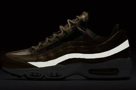 Nike Air Max 95 Metallic Gold